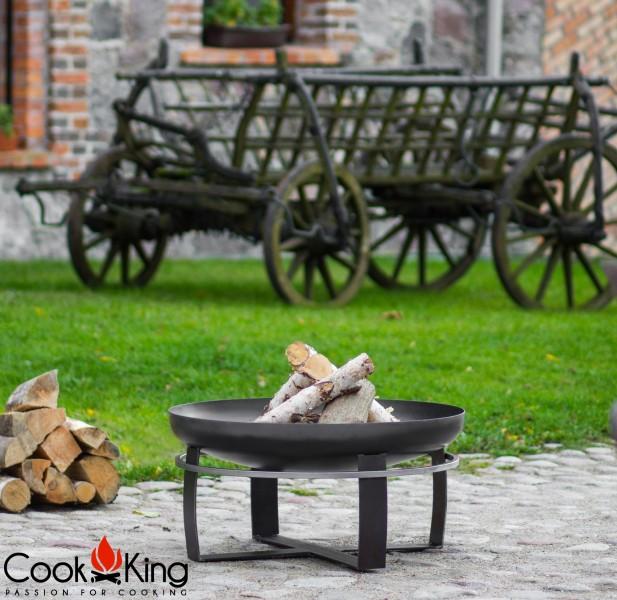 Feuerschale Viking im Innenhof