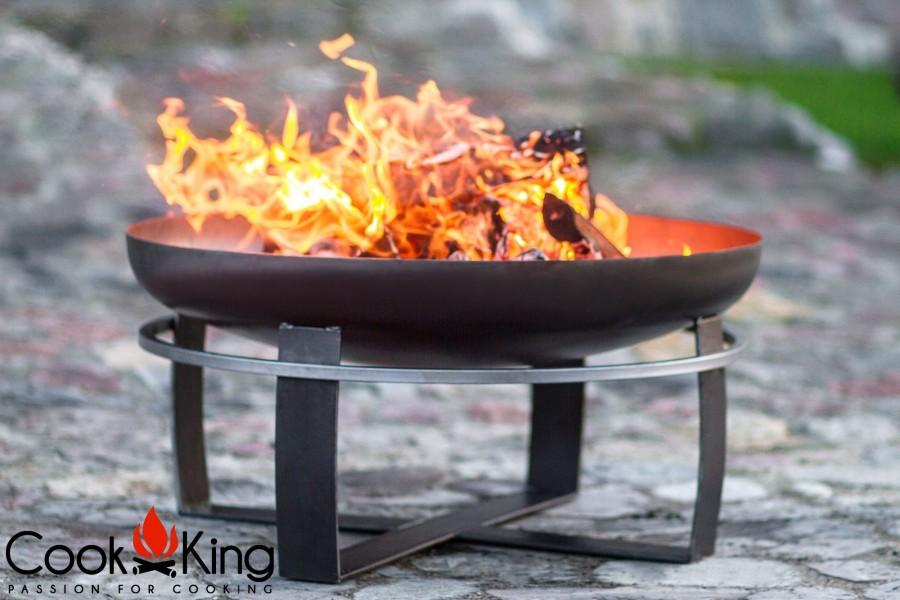 Frontansicht der Feuerschale Viking in Aktion